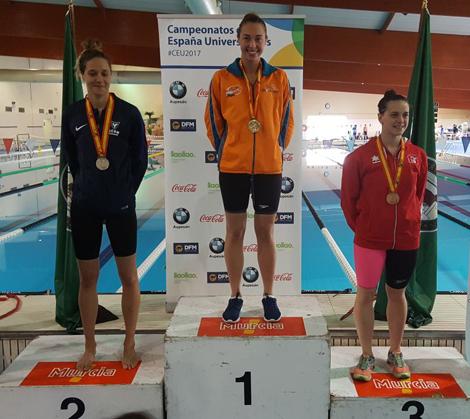 La alumna Paloma de Bordons gana cuatro medallas en el Nacional Universitario de Natación