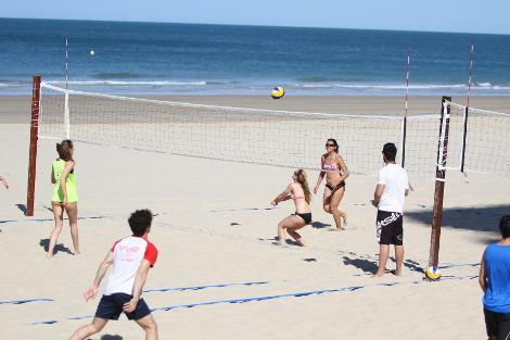 La UCA participa en el Campeonato de España Universitario de Voley Playa