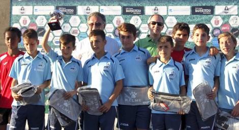 La Universidad de Cádiz y el Aula de Fútbol, presentes en el 5º Torneo Alevín de Villamartín