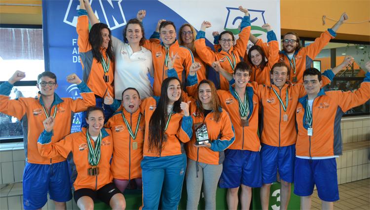 Record de España y 21 medallas en los Campeonatos de Andalucía Universitarios de Natación y Natación Adaptada